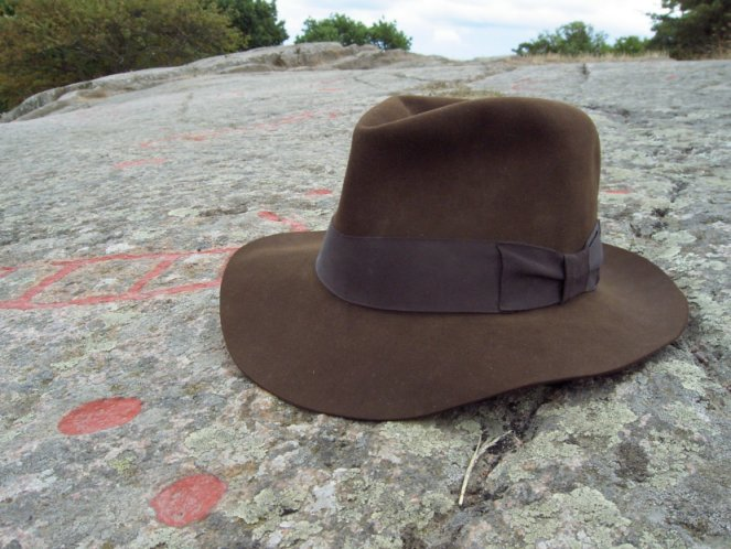 e12bf0906c002 It is fairly cheap when looking at the quality that has been putted into  this hat. I can only recommed the Adventurebilt Fedora - and ...